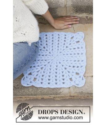 Paper lace tovet og heklet sitteunderlag - Drops 198-8