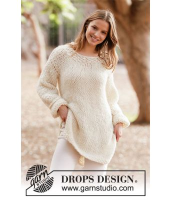 White Comfort strikkegenser med splitt i sidene - Drops 213-30