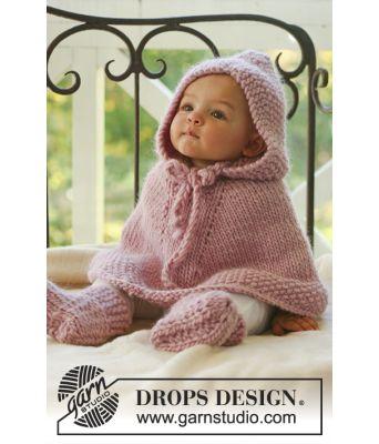 Little Peach strikket poncho med hette til baby og tøfler - Drops baby 16-1