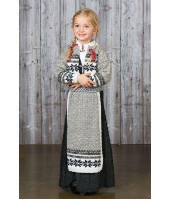 Maud strikket grå festdrakt med forkle - Viking 1603-4